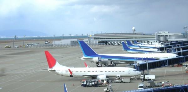 函館空港から緊急配送